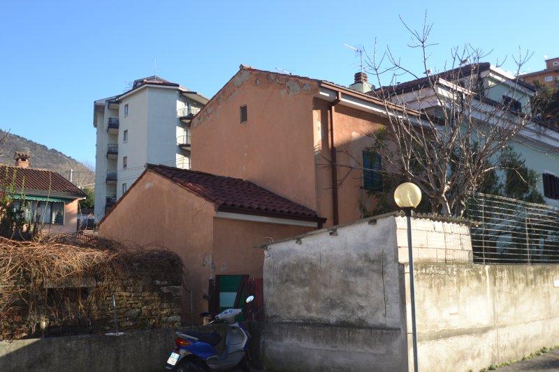 http://ilquadrifoglio.ts.it/images/immobili/800x533/2VttouN.jpg