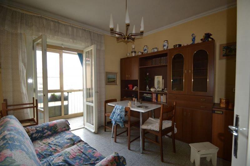http://ilquadrifoglio.ts.it/images/immobili/800x533/7KKVshe.jpg