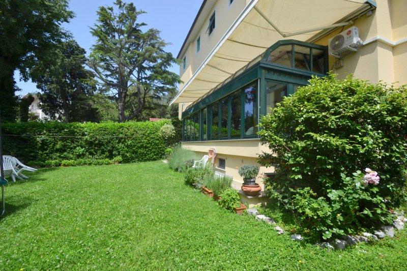 http://ilquadrifoglio.ts.it/images/immobili/800x533/XzVF6iF.jpg