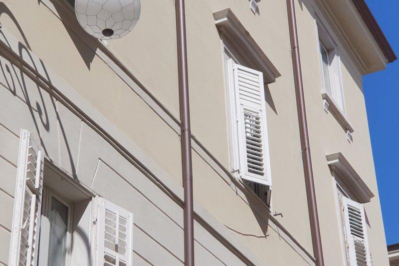 http://ilquadrifoglio.ts.it/images/immobili/800x533/ruEQU5f.jpg