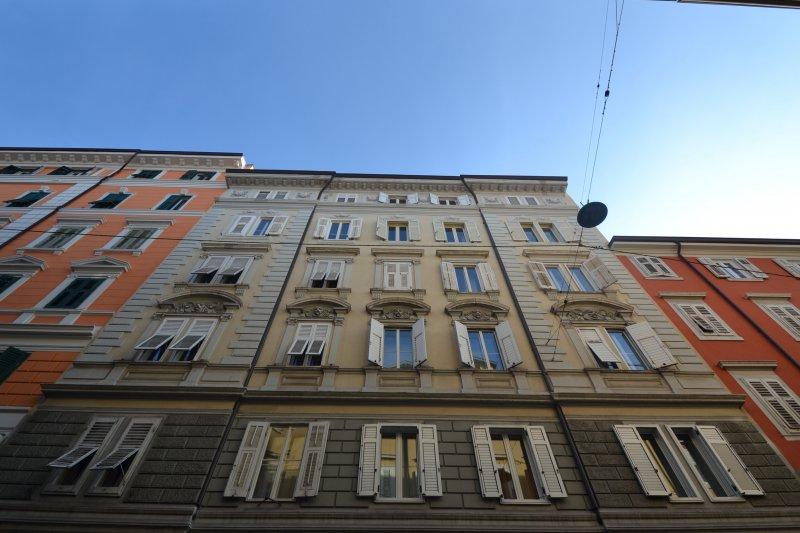 http://ilquadrifoglio.ts.it/images/immobili/800x533/xrX27RQ.jpg